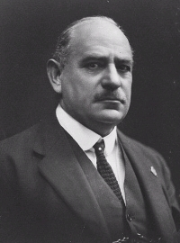 Sir John Monash was in command of the Australian Army during World War I